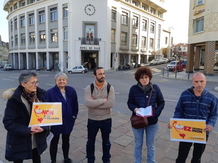 Les représentants de la plate-forme ont rencontré le maire de Biarritz - Radio France