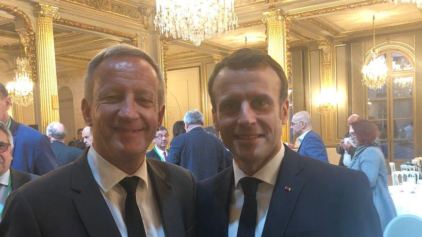 Olivier Richefou, président de la Mayenne et Emmanuel Macron, le président de la République lors du déjeuner des présidents départementaux à l'Élysée.