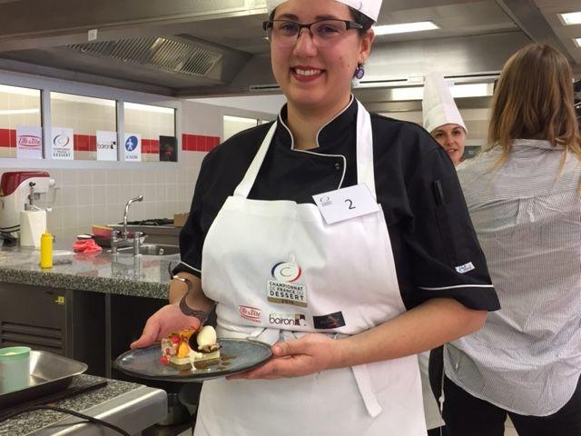 """Lucie Fermeister, 24 ans, élève """"cuisinier en desserts de restaurants"""""""