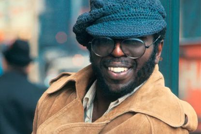 Curtis Mayfield, chanteur, auteur et compositeur de soul, de funk, de rhythm and blues à New York en 1973.