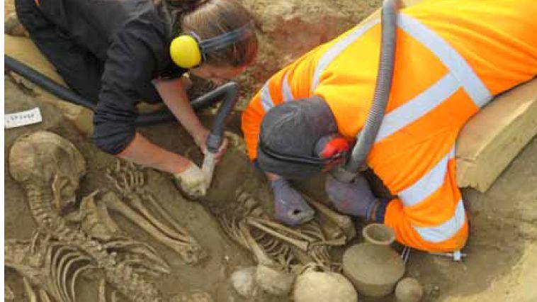 Des fouilles préventives révèlent à Aléria une nécropole étrusque