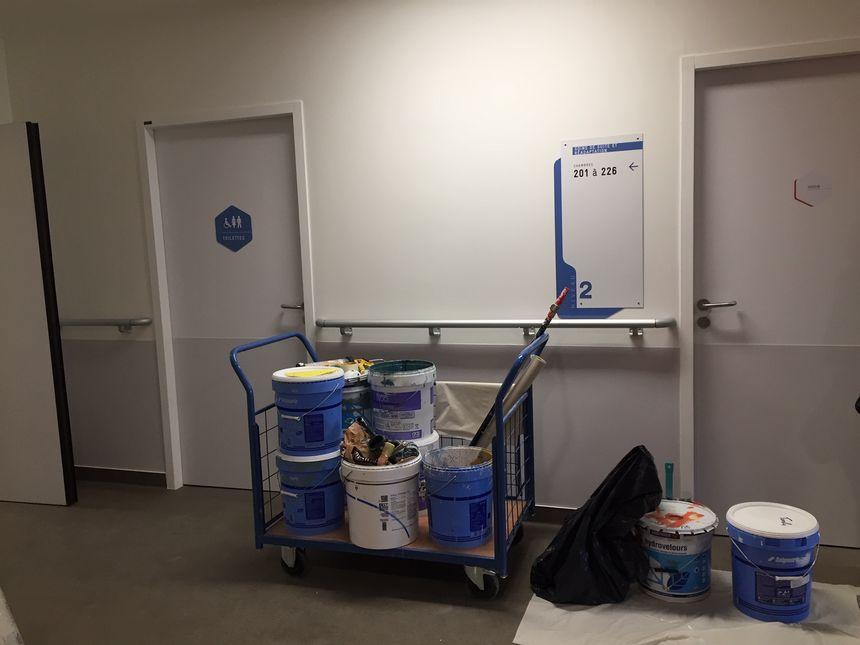 La peinture a fini de sécher dans les couloirs de la clinique