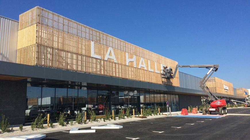 Photos Saint Berthevin Le Centre Commercial Retail Park Ouvrira