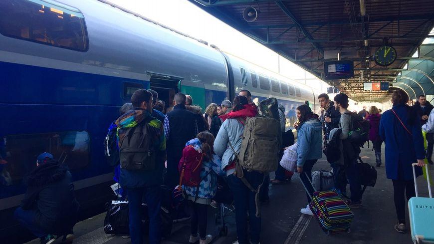 Le TGV des Neiges en gare de Caen