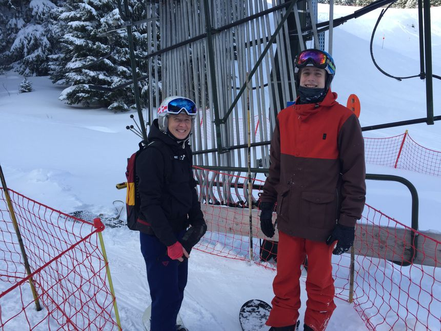 Les snowboarders  s'en donnent à cœur joie