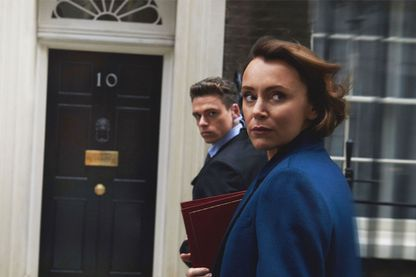 """Dans la série """"Bodyguard"""" : Richard Madden (dans le rôle du garde du corps David Budd) et Keeley Hawes (Julia Montague, Secrétaire d'Etat à l'intérieur)"""