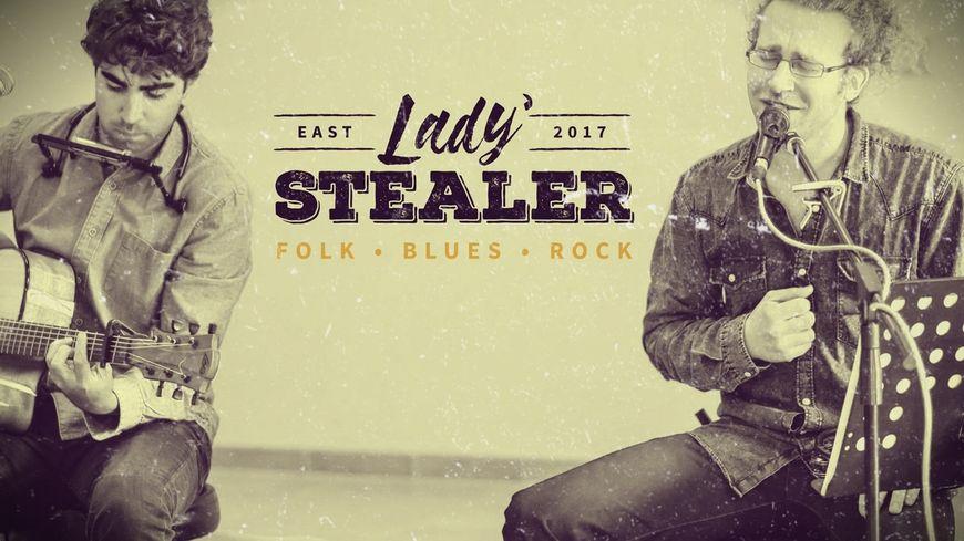 Lady stealer