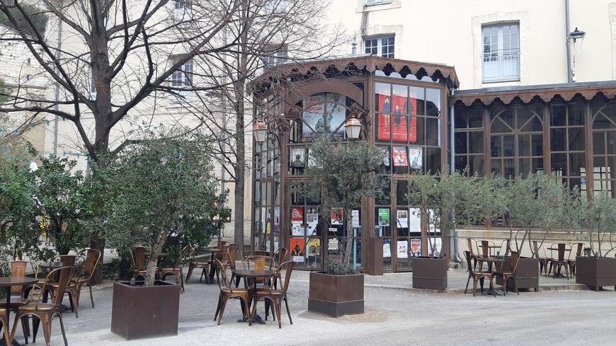 L'Utopia, lieu de culture emblématique de la ville d'Avignon.