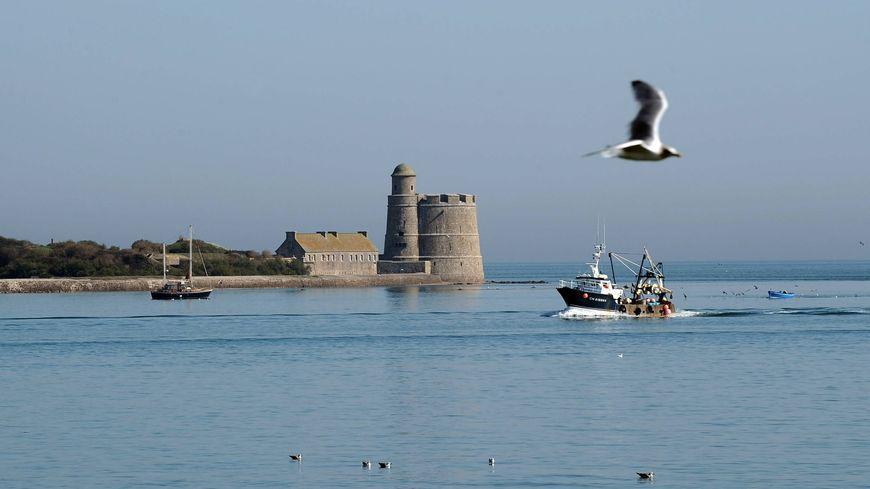 La tour Vauban de l'île Tatihou est classée au patrimoine mondial de l'Unesco