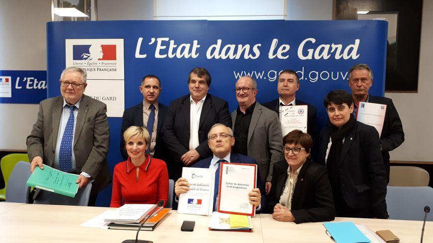 Sept maires du Gard ont fait le déplacement en préfecture.