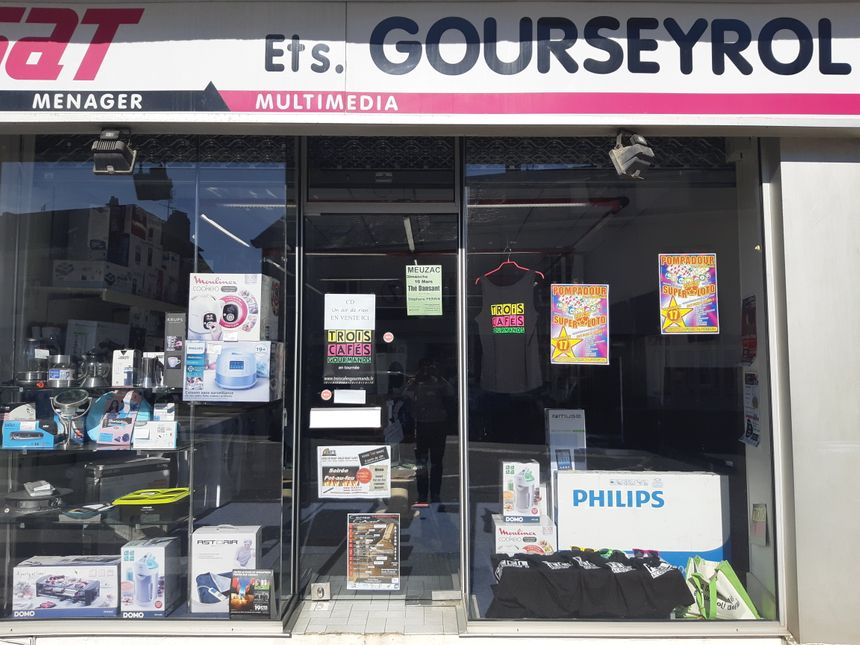 Le magasin d'électroménager Gourseyrol, à Pompadour, base arrière du groupe Trois cafés gourmands !
