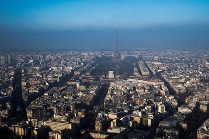 Cliché de Paris pris lors d'un épisode de pollution le 29 décembre 2016.