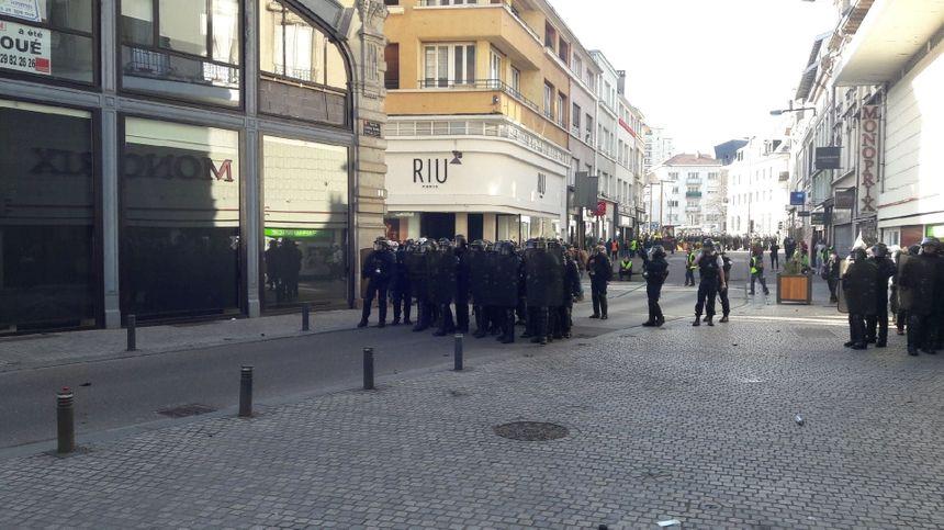 Premières tensions en centre-ville d'Épinal.