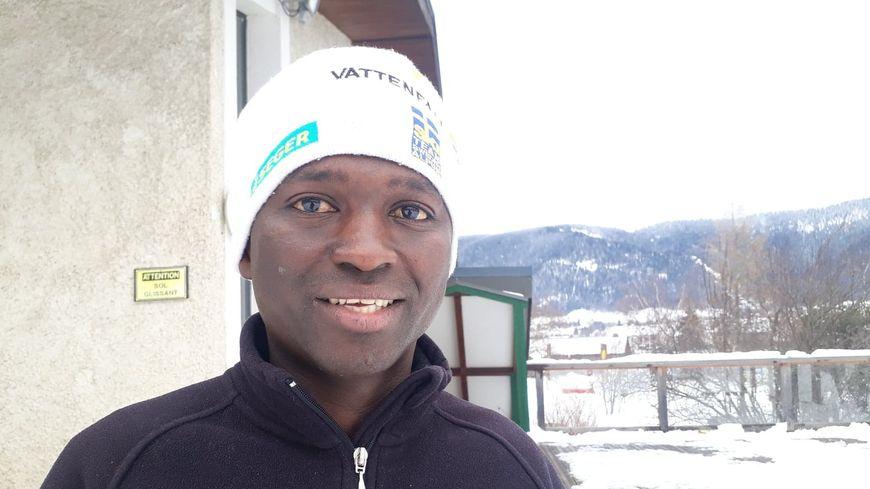 Mamoud Dialo, 21 ans, est arrivé en France l'été 2018. Auparavant dans le transport, en Guinée Conakry, il est maintenant en reconversion professionnelle dans les métiers de l'hôtellerie restauration.