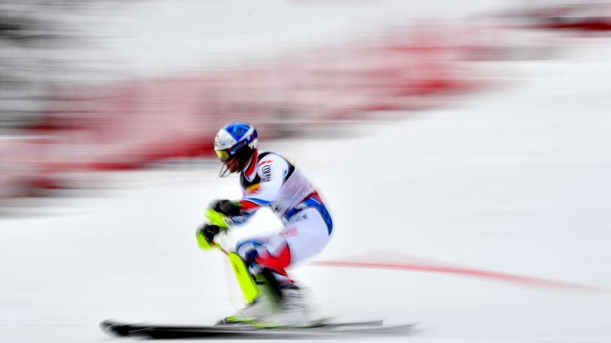 Alexis Pinturault dans la seconde manche du slalom aux Mondiaux d'Are en Suède