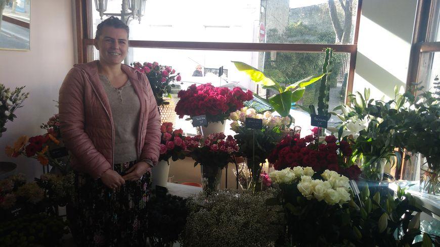 """Sophie Cauchard, fleuriste """"aux fleurs du faubourg"""" à Cherbourg"""