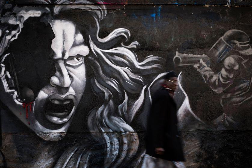 A Paris, fresque du collectif d'artistes Black Lines