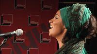 "La chanteuse Oum interprète ""Lila"""