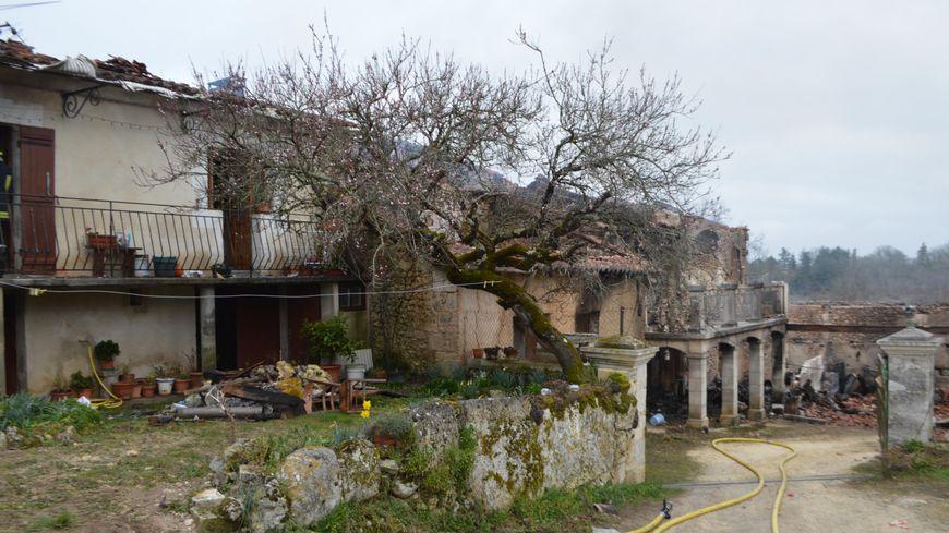 Plusieurs habitations ont été touchées.