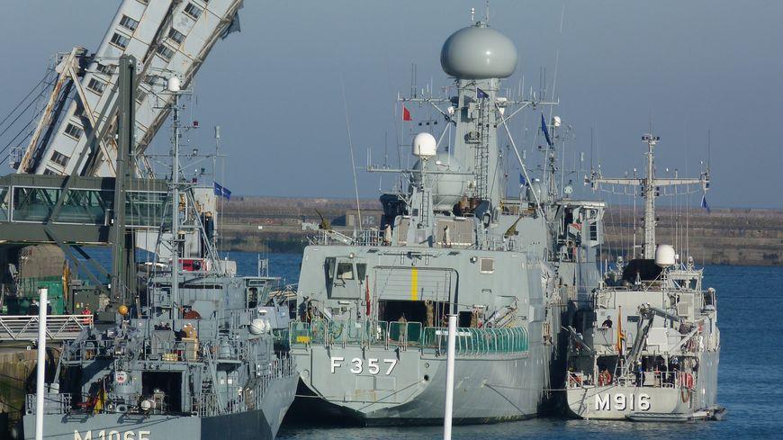 4 bâtiments de guerre des mines de l'OTAN à Cherbourg