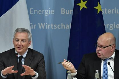 German Economy Minister Peter Altmaier (R) and his French counterpart Bruno Le Maire give a press conference on February 19, 2019 in Berlin, following talks on EU industrial policy.