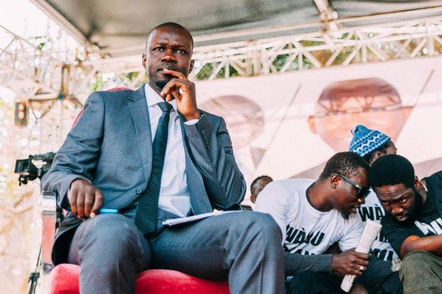 Ousmane Sonko, lors d'une réunion publique, le 21 février