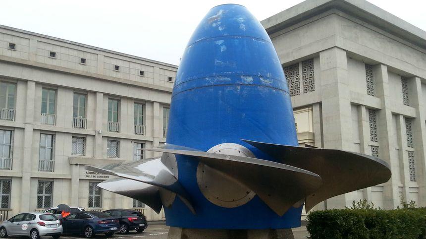 Bollène écluse : la turbine du parking