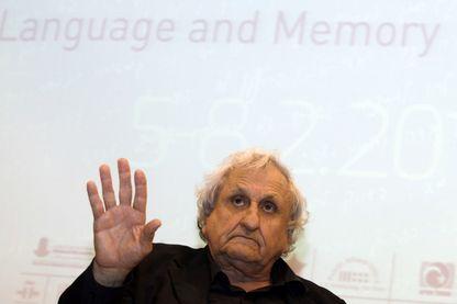 L'écrivain, Avraham B. Yehoshua dans le cadre de la conférence des écrivains et poètes juifs de Jérusalem, Kissufim, qui s'est tenue à Mishkenot Sha'ananim le 7 février 2013 à Jérusalem.