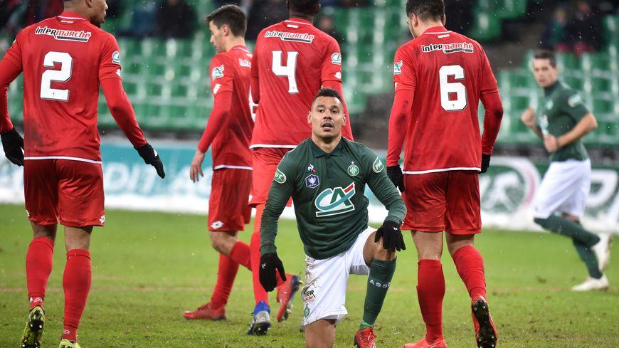 Thimothée Kolodziejczak et les Verts ont été corrigés en coupe de France (3-6).