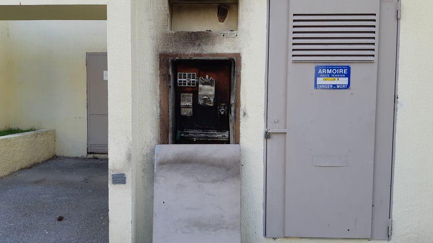 Des armoires électriques ont brûlé.