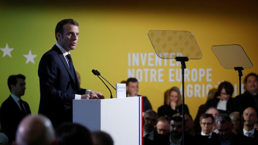 Emmanuel Macron inaugure le Salon international de l'agriculture.