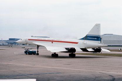 Dans les années 1970, le Concorde 002 est photographié à l'aéroport d'Heathrow après son retour d'une tournée mondiale