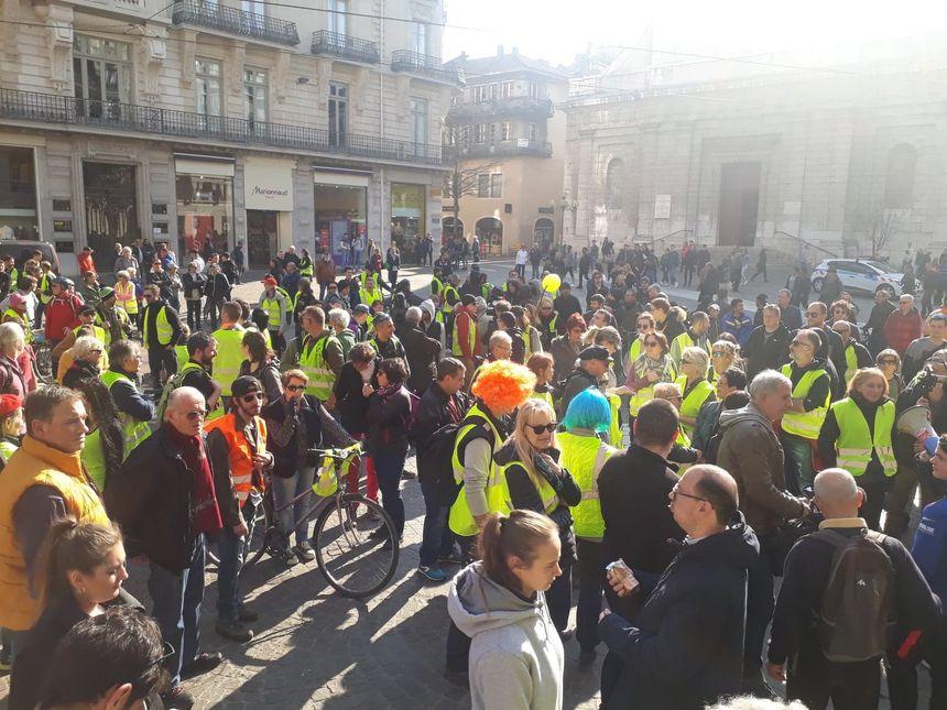 Ils étaient près de 300 à arpenter les rues de Grenoble ce samedi