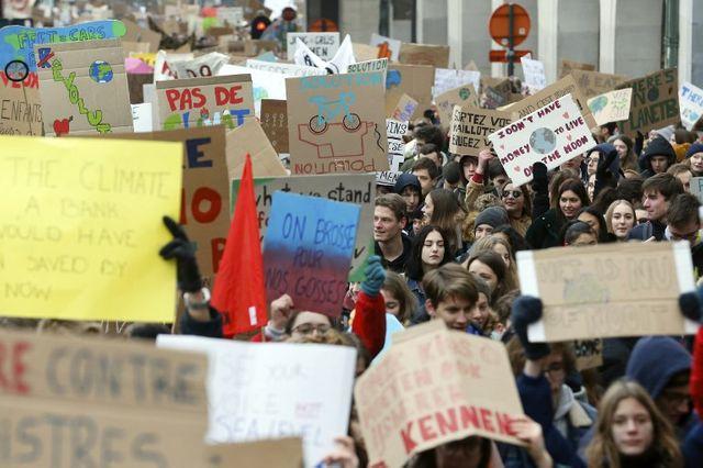 Dès le 24 janvier, les jeunes descendaient dans la rue.