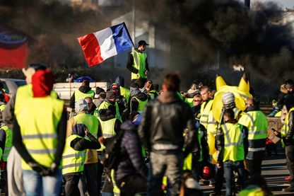 """Rassemblement de """"gilets jaunes"""" le 18 novembre 2018, à Caen (Normandie)."""