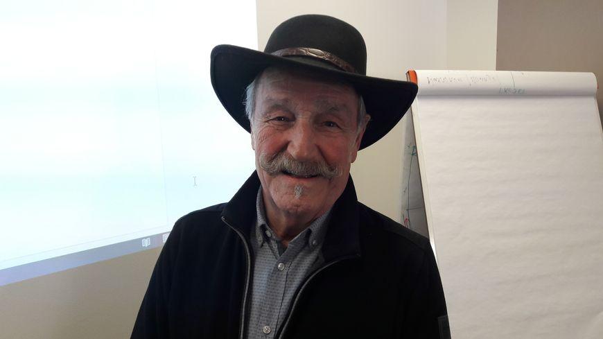 Le comédien-chanteur vosgien Claude Vanony, joue dans le clip de la CPAM