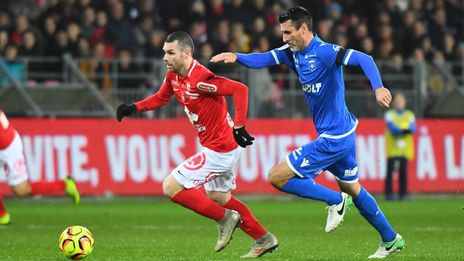 Ligue 2 : Brest poursuit sa série en battant Auxerre