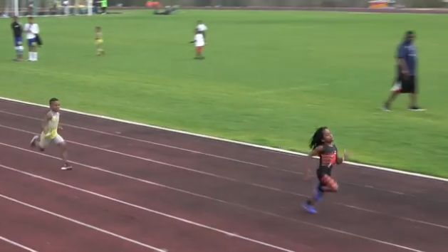 """A 7 ans, Rudolph """"Blaze"""" Ingram court le 100m en 13 secondes"""