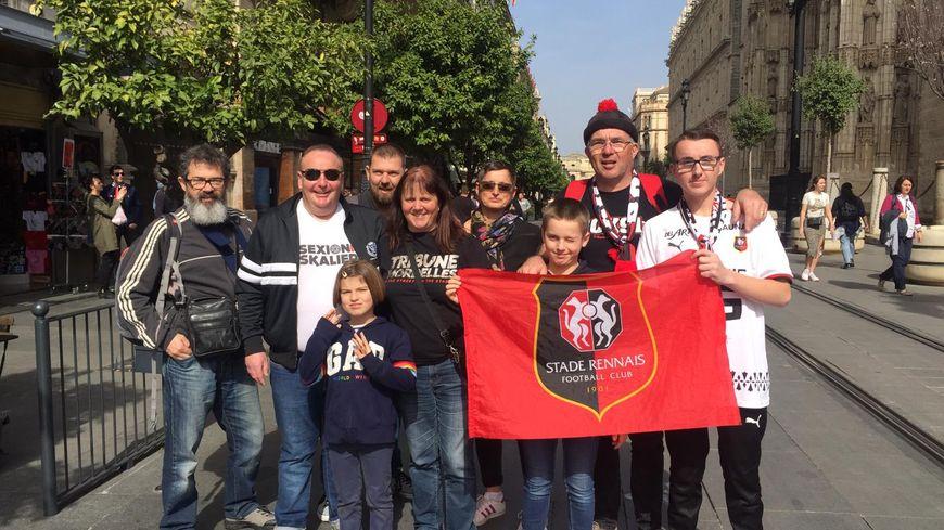 Les supporters rennais sont présents en nombre ce jeudi à Séville en Espagne.