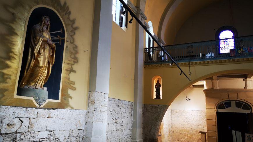 L'intérieur de la Chapelle des Pénitents (Méze)