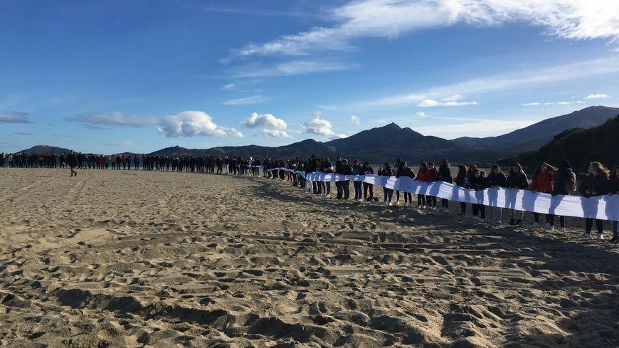 700 élèves rendent hommage aux 220 mille réfugiés républicains espagnols