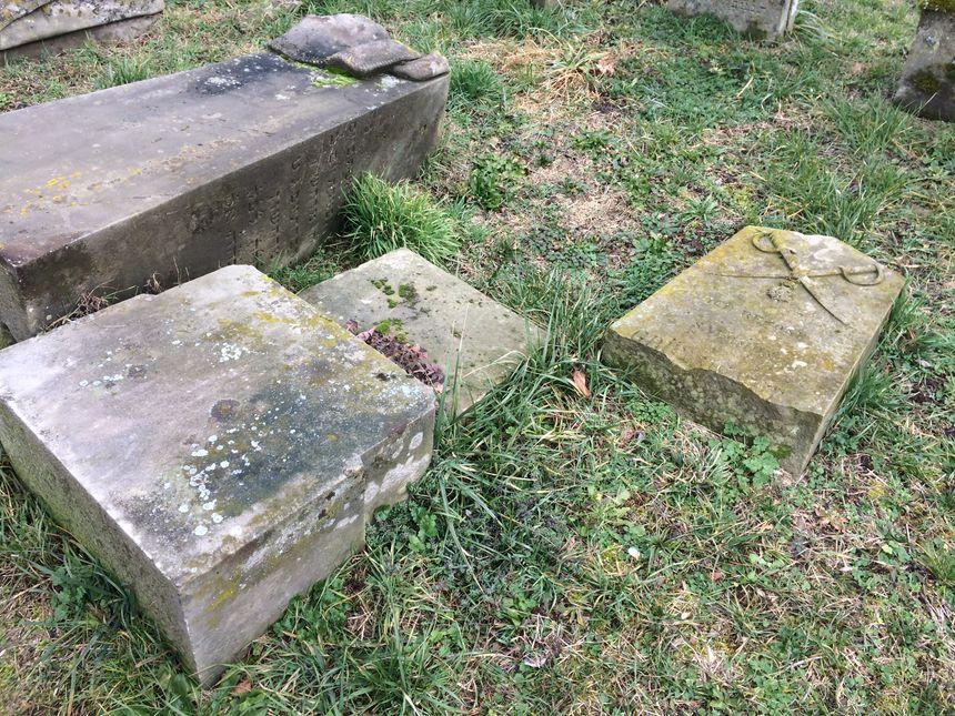 La tombe d'un soldat napoléonien saccagée - Radio France