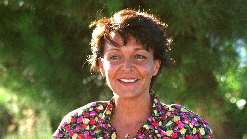 Portrait de Yann Piat, députée du Var.