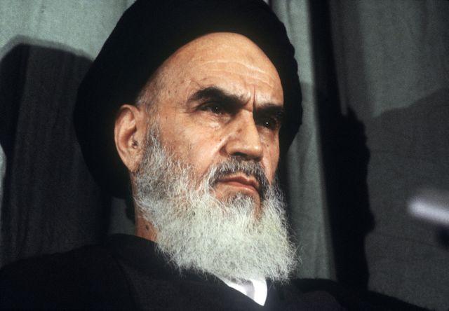 L'ayatollah Khomeini, guide de la révolution iranienne, au pouvoir entre 1979 et 1989