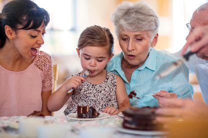 Des bienfaits de vivre avec une grand-mère