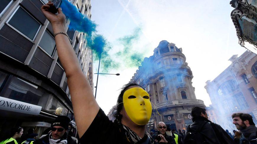 De vives tensions ont éclaté entre manifestants et forces de l'ordre, ce samedi, à Paris, Rennes ou encore Toulouse (pohto).