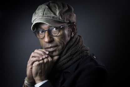 Manu Katché, batteur, auteur-compositeur, parolier et interprète,