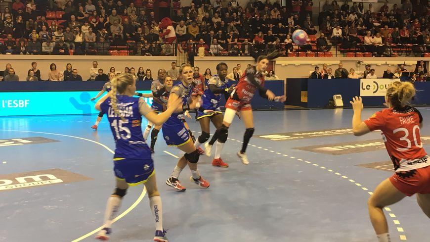 Les handballeuses de l'ESBF se sont inclinées, ce mercredi fac à Metz lors des huitièmes de finale de la Coupe de France