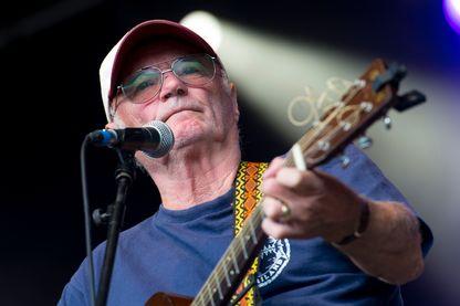 Michael Chapman, chanteur, compositeur et guitariste de folk festival Green Man au parc Glanusk le 15 août 2014 à Brecon, au pays de Galles.
