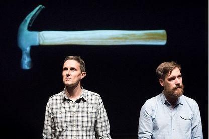 Arnaud Hoedt et Jérôme Piron avec leur spectacle « La Convivialité ». Une création originale ayant pour objet principal, l'orthographe française.